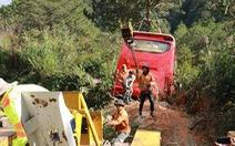 Ôtô chở khách TP.HCM mất phanh, lao xuống vực ở Đà Lạt, 15 người thoát chết