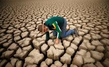 Nam châu Phi hạn hán kinh hoàng: cá chết khô, thác Victoria hùng vĩ cạn khô