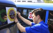 Xe buýt 'Hoa mặt trời' đón bạn đọc dự Ngày hội hoa hướng dương