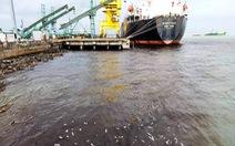 Người dân quay phim tố doanh nghiệp xả nước thải ra biển