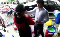 Thanh niên bảnh bao xuống ôtô tát tới tấp một phụ nữ bị phản ứng mạnh