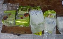 Tiếp tục phát hiện chất bột trắng nghi ma túy ở dọc bờ biển