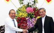 Lãnh đạo Chính phủ, TP.HCM thăm, tặng quà các vị chức sắc đạo Công giáo, Tin Lành