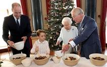 Đăng ảnh Nữ hoàng chuẩn bị Giáng sinh, ý nhắc sự trường tồn của Hoàng gia