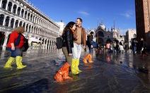 Nước ngập mênh mông khiến Venice mất khách hơn cả bị khủng bố