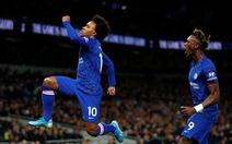 Willian tỏa sáng, Chelsea đá bại Tottenham của Mourinho trên sân khách
