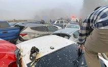 69 xe hơi lao vào chất chồng lên nhau, 51 người bị thương
