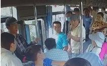Điều tra 2 người cầm dao đe dọa tài xế xe buýt