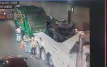 'Giải cứu' xe chở rác bể bánh trong hầm Thủ Thiêm