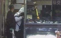 Hong Kong bắt 5 người Trung Quốc tình nghi cướp tiệm đồng hồ