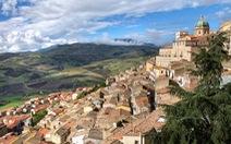 Lôi kéo người dân từ thành thị về nông thôn, Ý rao bán nhà 1 euro