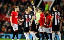 Sao trẻ M.U lãnh thẻ vàng nhanh kỷ lục ở Premier League