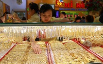 Cuối tuần, giá vàng vẫn tăng vọt