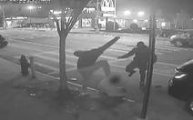 Đánh chết người, cướp 1 đôla dịp Giáng sinh tại Mỹ