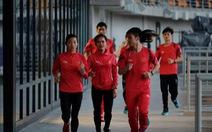 Trời mưa, đội tuyển điền kinh Việt Nam phải tập chạy...  trong nhà