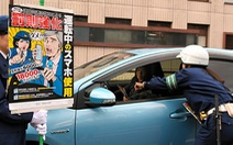 Nhật phạt nặng dùng điện thoại khi lái xe