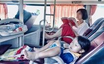 'Quên' trẻ, để trẻ rơi xuống đường: Ý thức an toàn bị bỏ quên