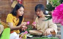 Sống trong ngôi nhà hoa xứ Huế 'như thấy cuộc đời sang trang'
