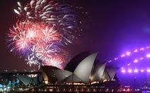 Thế giới cùng tiễn năm 2019, pháo hoa ngợp trời