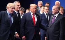 Các nguyên thủ 'tám' về ông Trump, Tổng thống Mỹ mắng Trudeau là 'đồ hai mặt'