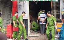 Phá cửa căn nhà cháy, đau xót thấy mẹ ôm con 2 tuổi chết