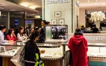 Du học sinh nhà giàu Trung Quốc: mua Apple Watch cho cún cưng, ở căn hộ 105 triệu USD