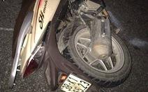 Xe máy đâm vào đuôi xe tải, 3 thanh niên tử vong