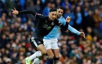 HLV Guardiola tiếc nuối vì để Mahrez dự bị