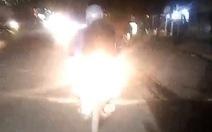Cần mạnh tay xử xe gắn đèn Led