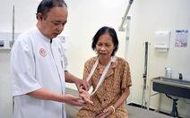 Lể gai tại nhà bị sốc nhiễm trùng suýt mất cánh tay