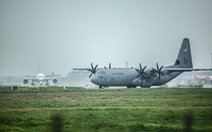 Hercules C-130J của Mỹ xuất hiện 2 giờ ở Nội Bài