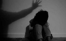 'Kẻ dâm ô con gái 14 tuổi của tôi lại xuất hiện trước nhà tôi'
