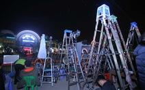 Hàng trăm phóng viên giữ chỗ ở Đồng Đăng chờ đón Chủ tịch Triều Tiên
