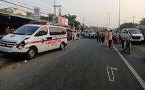 Xe cứu thương từ thiện tông chết người đi bộ trên đường