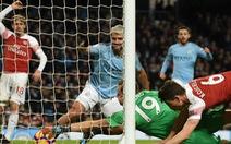 Aguero thừa nhận bóng chạm tay khi ghi bàn vào lưới Arsenal