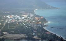 Nên hay không nên thu phí du khách đến Côn Đảo?