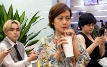 'Sao' Việt dùng ống hút bột gạo uống trà sữa ở Sài Gòn
