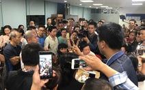 Trong đêm, hàng trăm người vây công ty bất động sản ở Đà Nẵng đòi quyền lợi