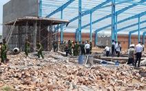 Sập bức tường hơn 300m2 đang xây, 6 công nhân thiệt mạng