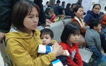 Hà Nội 'vỡ trận' vì gần 1.000 gia đình Bắc Ninh đưa con đến xét nghiệm sán