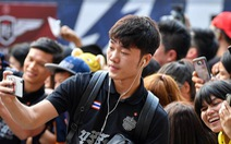 Cổ động viên Việt Nam sốt ruột: 'Trường ơi, về đi!'