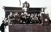Xem hình ảnh đoàn Quốc hội thăm nước Pháp lúc thù trong giặc ngoài