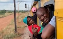Bị kẹt 3 tiếng trên tàu hỏa, tổng thống Nam Phi quyết cải cách giao thông