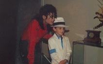 Michael Jackson bị cáo buộc 'ấu dâm': cựu cận vệ nói 'ông hoàng' thích phụ nữ!