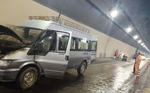 Xe tang cháy trong hầm Hải Vân, người nhà khiêng quan tài tháo chạy