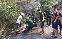 Cứu hộ du khách Anh tắm thác trên đèo Hải Vân chấn thương nặng