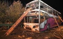 Cháy xe buýt du lịch, ít nhất 26 người chết