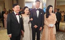 Vì sao anh em ông Thaksin vẫn thoải mái có mặt ở Hong Kong dự đám cưới?