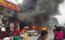 Hỏa hoạn thiêu rụi 3 căn nhà ở gần ga Dụ Nghĩa, Hải Phòng