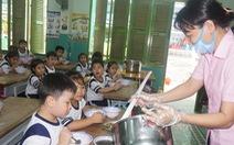 TP.HCM kiểm tra đột xuất an toàn thực phẩm trong trường học